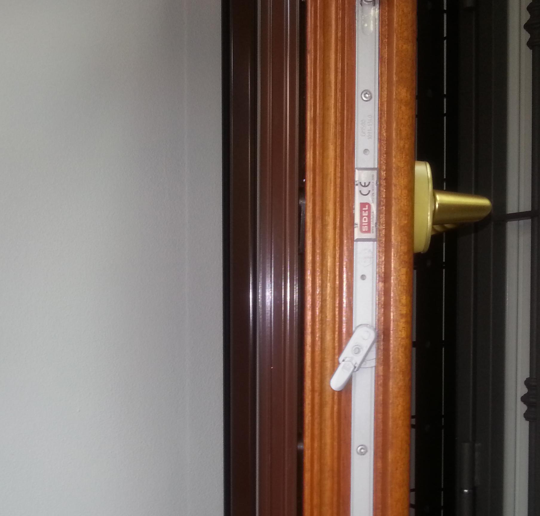 Infissi legno alluminio tecnal snc serramenti pavia - Chiusure per finestre in legno ...